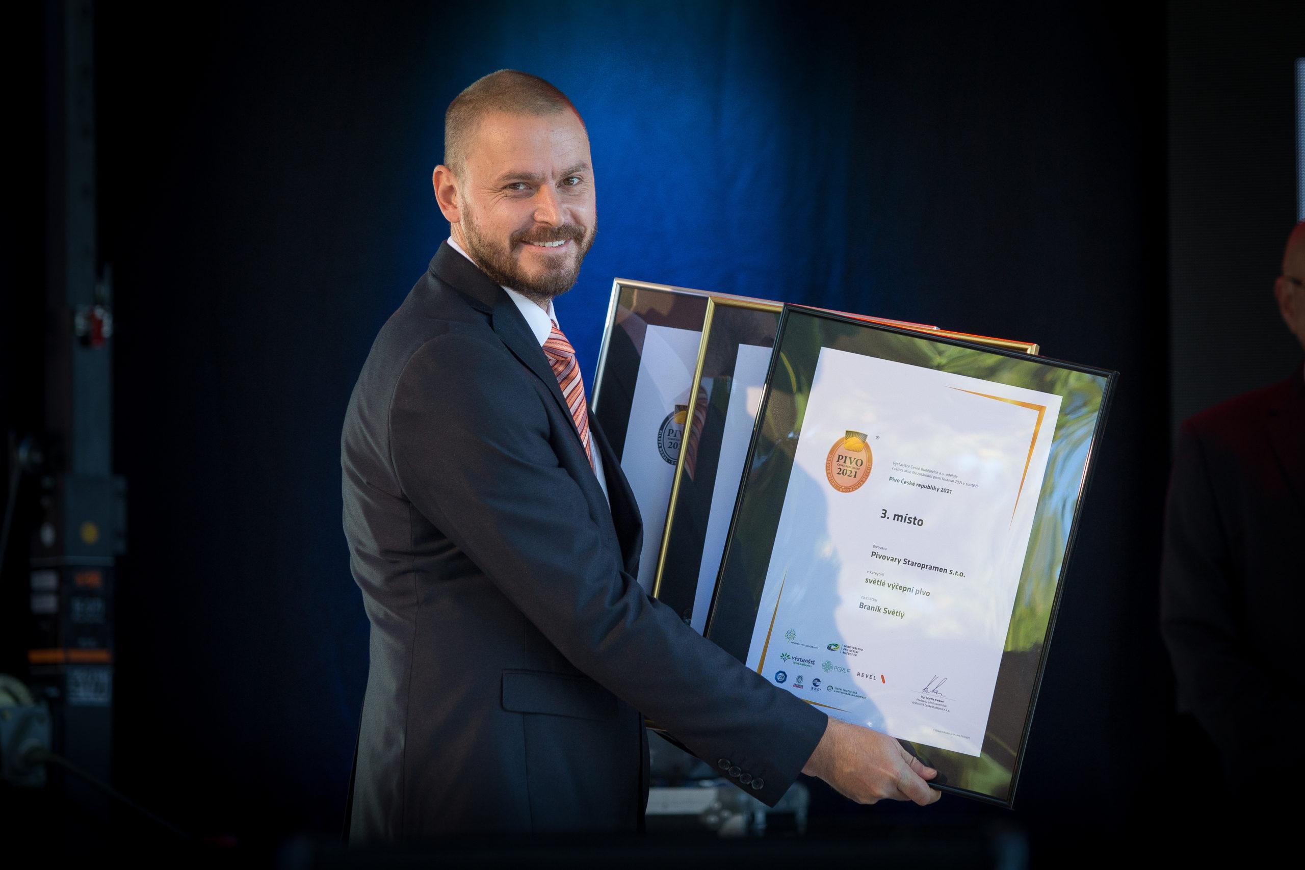 Pivovary Staropramen získaly na dvou degustačních soutěžích 8 medailí